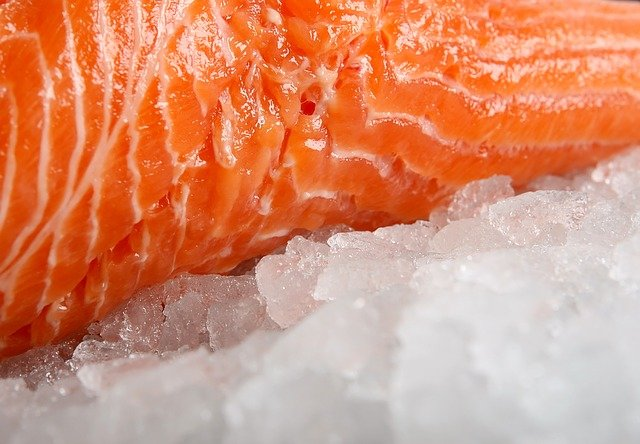 Four signs of frozen food in the refrigerator should be disposed of 1