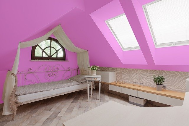 Very small house decorating ideas - Bright colors