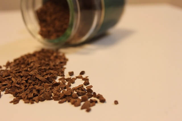 How to get rid of insects in house using coffee groun