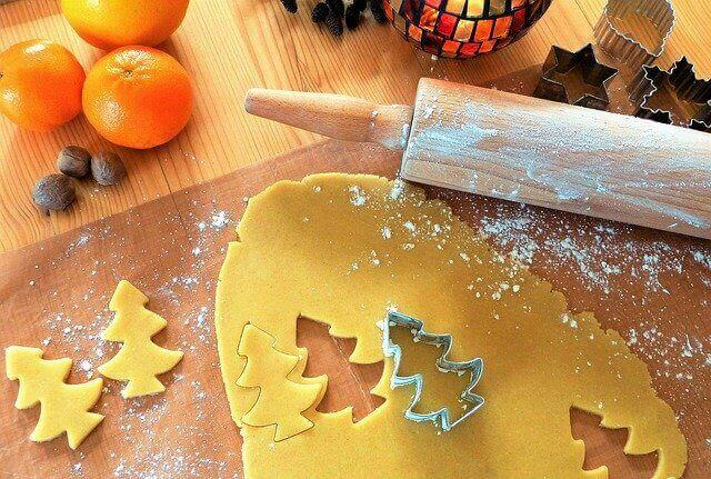How To Clean Cookie Cutters